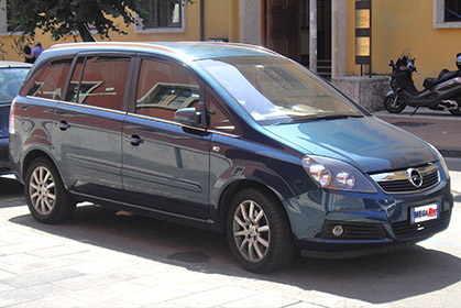 Opel Zafira Automatic - car rental crete prices